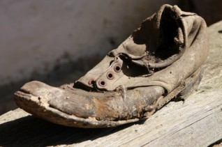 Very-Old-Shoes__15568-480x320